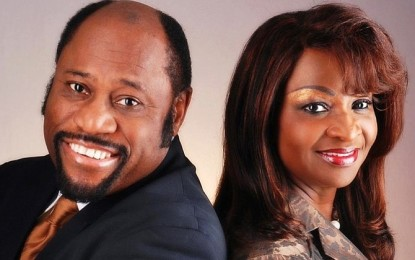 Dr. Myles Munroe, Wife and Daughter die in a plane crash