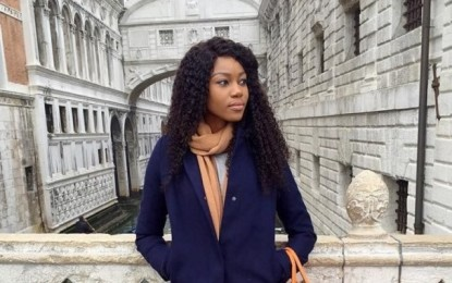 Yvonne Nelson celebrates her 30th birthday with a treat in Venice – Italy