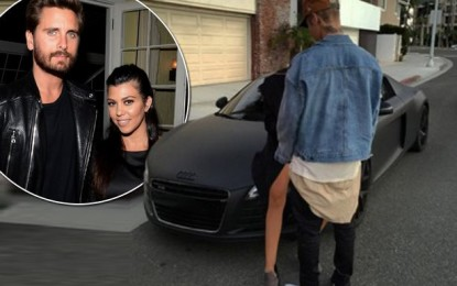 Justin Bieber fuels hook-up rumours with Kourtney in new post