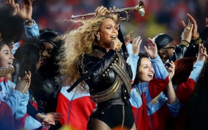Beyonce steals the show at Super Bowl 50 with Formation