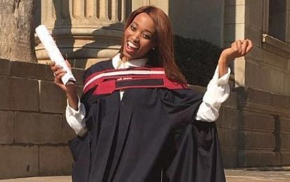 Miss SA graduates with Honours